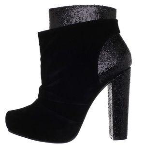 Michael Antonio Black Mel's boot size 8.5
